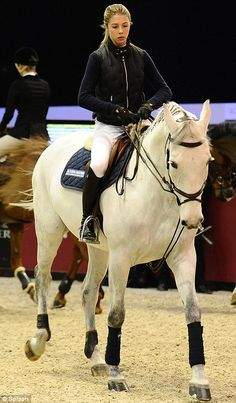 Famous Families- actor Tom Selleck's daughter Hannah Selleck, 22, showed her skills at the Gucci Masters equestrian event in Paris. She is in an Elite group of Socialites vying for an Olympic future.