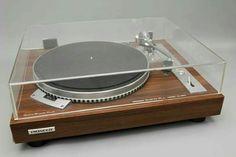 Vintage audio Pioneer PL-550 turntable