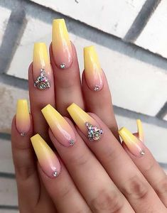 Ombre nails are everywhere these days. Ombre nails are eye-catching and personalized, and can be subtle as you want. I like a soft pastel ombre fade that is suitable for everyday use or glitter ombre nails for special occasions such as weddings. Cute Acrylic Nails, Glitter Nails, Cute Nails, Gel Nails, Acrylic Nails For Summer Coffin, Acrylic Nails Yellow, Acrylic Nails For Summer Glitter, Ombre Nail Art, Coffin Acrylic Nails