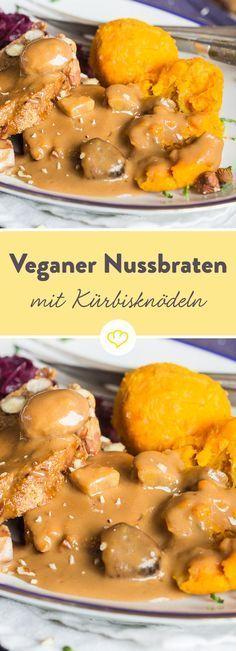 Ein veganer Festtagsschmaus, der selbst Fleischesser überzeugt: knuspriger Nussbraten aus Cashew- und Haselnüssen an raffinierte Beilagen und sämiger Sauce.