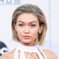 "Makeup: Strobe lights in the inner eye's corners + tanned skin-tone + ""no makeup"" makeup. Gigi Hadid at American Music Awards 2015 AMAs."