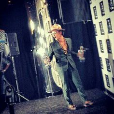 Bruno Mars winner of MTV VMA  awards Bruno Mars Awards, Mtv, Hot Guys, Babe, Prince, Therapy, Actors, Music, Celebs