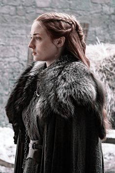 "Sansa's Costume On ""Game Of Thrones"" Has A Message For Littlefinger - Game of Thrones Game Of Thrones Sansa, Game Of Thrones Poster, Game Of Thrones Art, Sophia Turner, Yennefer Of Vengerberg, The North Remembers, Winter Is Here, Best Series, Season 7"