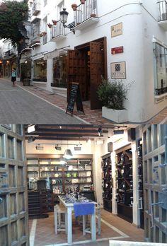 Tienda especializada en aceites y vinos andaluces con denominación de origen con catas dirigidas, escuela de cocina y maridajes. Situada en la C/ Nueva de Marbella, España. (SAMSUNG DUOS 20.06.2013 20:41 by Fbb) http://www.skindefenders.com