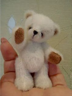 Free Pattern: Tiny Bearcheck out side menu on link for other mini patterns