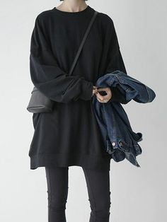 MINIMAL + CLASSIC: Black Loose Longline Sweatshirt | Choies