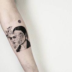 "afd450fbe The White Whale Tattoo Society on Instagram: ""@matteonangeroni RESIDENT  ARTIST Per appuntamenti scrivete"