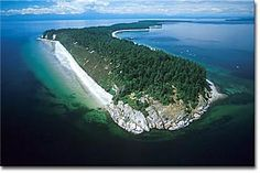 Sunny Sandy Savary Island, British Columbia one of the best places in the world Places Around The World, The Places Youll Go, Places To Visit, Around The Worlds, Sunshine Coast Bc, Discovery Island, Powell River, Discover Canada, Little Island