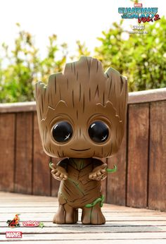 Hot Toys : Guardians of the Galaxy Vol. 2 - Groot Cosbaby Bobble-Head Hot Toys : Guardians of the Galaxy Vol. Cute Disney Wallpaper, Cute Cartoon Wallpapers, Disney Drawings, Cute Drawings, Disney Art, Disney Pixar, Baby Groot Drawing, Deadpool Pikachu, Avengers Wallpaper