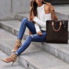 OOTD ✨ Denim➰Suede http://liketk.it/2qWYY btw jeans under $50!