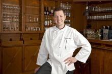 """#Restaurant im #Rheingau jubelt: Sebastian Lühr hat im Hattenheimer """"Kronenschlösschen"""" seinen ersten Stern erkocht."""