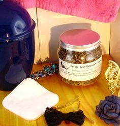 Voici notre nouveau Sel de Bain Relaxant au Lavandin au sel de Noirmoutier et aux fleurs de lavandin Candle Jars, Candles, Voici, Nature, Relaxing Bath, Salt, Flowers, Naturaleza, Candy
