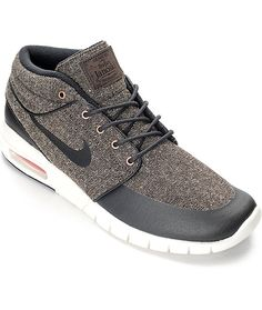 A stylish mix of fabrications and Nike SB's elegant touch, the Stefan Janoski Max Mid Baroque and White Shoes are of mid-top construction with a baroque brown tweed upper. The contrasting Hypescreen overlay on the toe provides durability with added protec