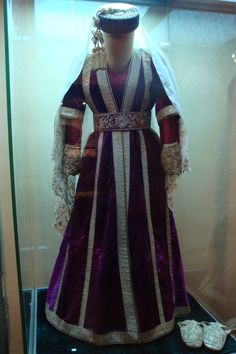 Crimean Peninsula, Palace of the Khanate of Bakhchisaray. 19th c. Woman's outfit.
