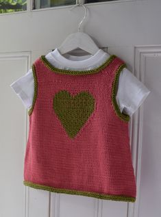 A little topper to wear sleeveless or over a tee for babies 6-24months - maddycraft.com