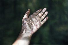 Creative and beautiful shadow photography Solas Dragon Age, Adam Parrish, Shotting Photo, Shadow Photography, Hand Photography, Pinterest Photography, Landscape Photography, Ex Machina, Artemis