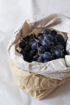 beautiful grapes. is it weird that this makes me want to live in paris?