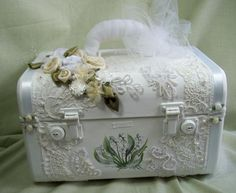 pretty altered traveling case