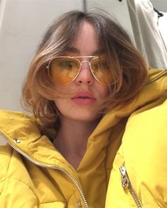 Sometimes I just wanna do trends & have fun! Casey Atypical, Pretty People, Beautiful People, Brigette Lundy Paine, Bae, Ms Gs, Aesthetic Images, Celebs, Celebrities