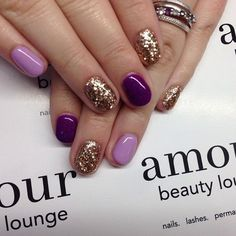 Gold Sequins Nail Design for Short Nails.