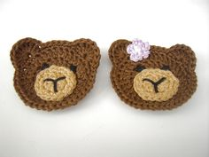 This site has lots of cute little things to crochet. Perfect for putting on baby outfits, headbands or hair clips!