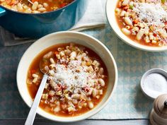 Get Pasta and Beans: Pasta e Fagioli Recipe from Food Network. I used borlotti beans and added tomato paste, chicken broth, and a gouda rind Soup Recipes, Cooking Recipes, Healthy Recipes, Healthy Meals, Pasta Recipes, Cooking Pasta, Easy Cooking, Healthy Life, Diet Recipes