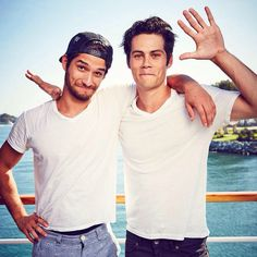 teen wolf, tyler posey, and dylan o'brien Teen Wolf Boys, Teen Wolf Dylan, Teen Wolf Cast, Cody Christian, Scott Mccall, Tyler Posey, Dylan O'brien, Charlie Carver, Dylan Sprayberry