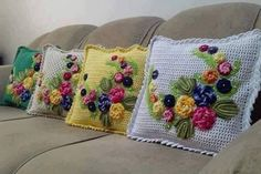 40 Crochet Cushion Pattern Ideas: Today we have planned to chalk out some crochet cushion ideas for your indoor and outdoor Crochet - Your ultimate source for knitting and crocheting inspirations, collection of crochet patterns, croche Crochet Cushion Pattern, Crochet Cushion Cover, Crochet Cushions, Crochet Pillow, Crochet Patterns, Crochet Tools, Crochet Projects, Crochet Home Decor, Diy Pillows