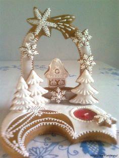 Рождественские фантазии с пряниками Christmas Desserts, Christmas Treats, Christmas Baking, Christmas Cookies, Gingerbread House Parties, Christmas Gingerbread House, Gingerbread Cookies, Iced Cookies, Cute Cookies