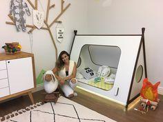 Projeto feito com muito amor e cuidado! Me preocupei em cada detalhe para que tudo ficasse seguro, aconchegante e divertido! Trazer alegria para um baby é realmente gratificante! 💚https://www.instagram.com/gabriela.interiordesign/  Tapete - Lorena Canals Enxoval - Tulipa Baby Fogueira - Wool Design Enxoval - Tulipa Baby Cama Cabana - Gabriela Veiga Arte na parade - Gustavo Vicentini