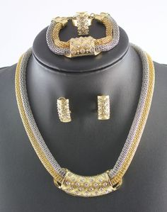 Dubai African Gold Plated Crystal Romantic Bridal Fashion Necklace Jewelry Set #Handmade #Charm