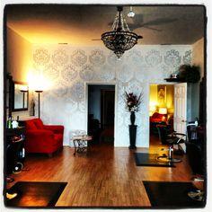 Luxury home salon . Home Hair Salons, Natural Hair Salons, Home Salon, Beauty Salon Decor, Salon Style, Salon Design, Spa, Decoration, Salon Ideas