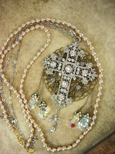 Romantic+Gothic+Rosary+Necklace+Long+wedding+by+vintagesparkles,