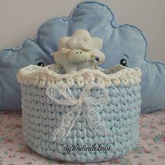 Küçük beye hediye  #aydanindolabi #penyeipsepet #penyeip #sepet #mavi #hediye #bebek #bebeksepeti #bezsepeti  #erkekbebek #tigisi #knitting #crochet #güzelevim #spagettiyarn@spagettiyarn