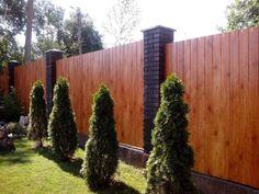 Забор из профнастила, сделанный со вкусом.  #дизайн #интерьер #участок #забор…