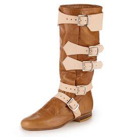 VIVIENNE WESTWOOD Pirate Boot Tan. #viviennewestwood #shoes #