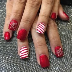 """Perfect Holiday Nails ❄️☃ by Lin❄️Nail Garden Porter Ranch – Northridge hurry call us today book your appointment We are located on the…"" Nail Design, Nail Art, Nail Salon, Irvine, Newport Beach Christmas Gel Nails, Christmas Nail Art Designs, Holiday Nail Art, Diy Christmas, Simple Christmas, Snowflake Designs, Christmas Outfits, Christmas Costumes, Christmas Games"