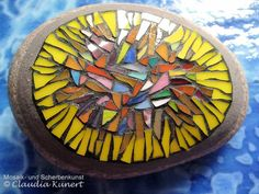 Mosaic Garden Art, Mosaic Art, Mosaic Glass, Mosaic Tiles, Stained Glass, Mosaic Rocks, Mosaic Stepping Stones, Mosaic Crafts, Mosaic Projects