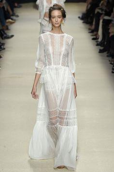 Alberta Ferretti, P-E 16 - L'officiel de la mode