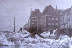 Kruiend ijs op de Waal nabij de Grotestraat in de winter van 1890-1891.