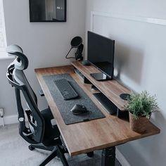 Gaming Room Setup, Desk Setup, Home Office Setup, Home Office Design, Salas Home Theater, Home Studio Desk, Studio Setup, Best Standing Desk, Bedroom Setup