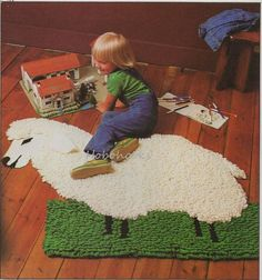 CROCHET sheep rug with guide 104 by 89 cm Chunky / by Hobohooks Crochet Sheep, Crochet Home, Crochet Yarn, Chunky Crochet, Crochet Afghans, Vintage Knitting, Vintage Crochet, Sheep Rug, Knitting Patterns
