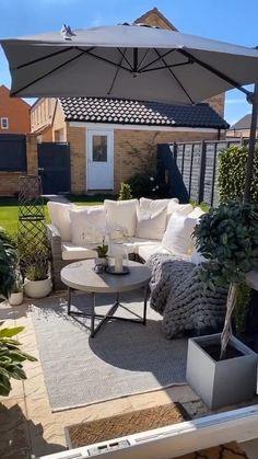 Small Patio Design, Small Backyard Patio, Backyard Patio Designs, Diy Patio, Budget Patio, Wood Patio, Outdoor Balcony, Modern Balcony, Garden Design