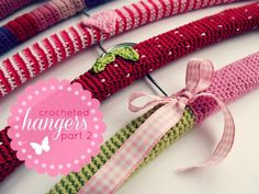 kardiomuffelchen: Crocheted hangers 2 (two-colored spiral) free pattern Modern Crochet, Crochet Home, Love Crochet, Beautiful Crochet, Crochet Yarn, Crochet Sachet, Crochet Gifts, Spiral Crochet, Knitting Patterns