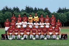 El Milan de Italia 1991-92 con el holandes Ruud Gullit.