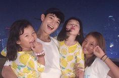 Minho with Seora,Sua and Jea Minho Shinee, Lee Taemin, Jonghyun, Korean Babies, Asian Babies, Shinee Members Profile, Lee Dong Gook, Superman Kids, Shinee Albums
