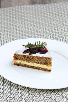 Hat man im Sommer eher Lust auf fruchtige Torten, so darf es im Winter gerne nussig und schokoladig sein. Lassen Sie sich doch mal von uns zu einer Buchweiz