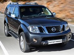 New Nissan Pathfinder SE ready to order in South Africa