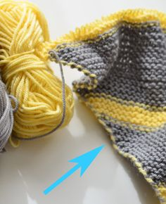 Knitting_Tutorial -- How to carry yarns up the side of your knitting when using multiple colors. Very important technique. KnittingGuru http://www.KnittingGuru.etsy.com
