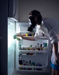 Clean your fridge. Clean your fridge. Once something goes bad in your fridge or cupboards, it leaves behind a nice gang of mold ready to eat up your new food. Disinfect the fridge — it'll make everything last a little longer. In Pantyhose, Kitchen Hacks, Dirty Kitchen, Food Storage, Food Hacks, Food Tips, Food Ideas, Housekeeping, Cleaning Hacks